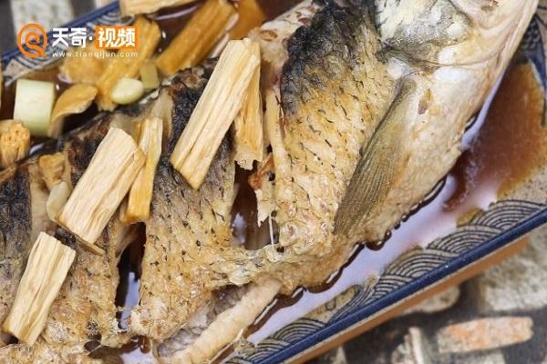 腐竹焖草鱼做法步骤:9