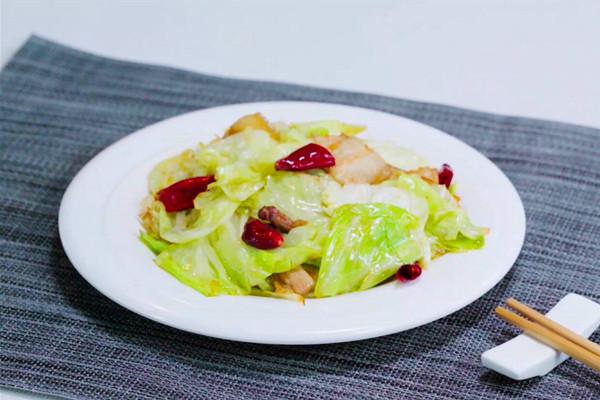包菜炒肉做法步骤:10