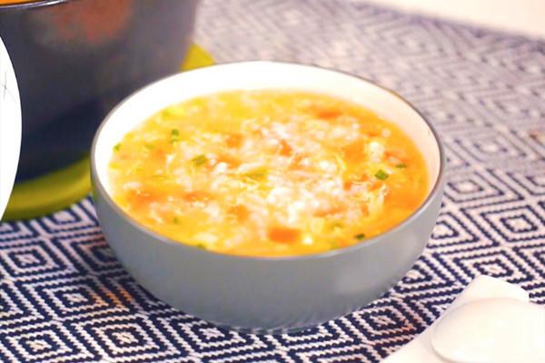 番茄鸡蛋粥做法步骤:5