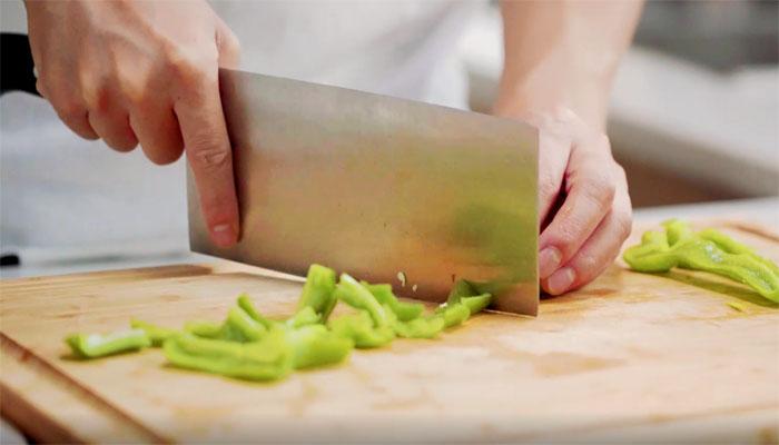 小炒蛤蜊肉做法步骤:4