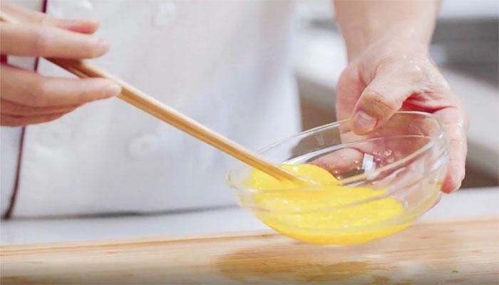 小葱鸡蛋粥做法步骤:3