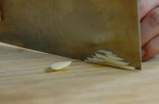 豆瓣豆腐烧鲫鱼做法步骤:2