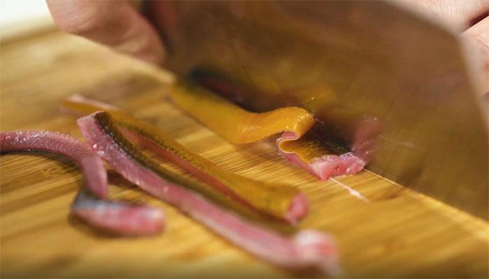 响油鳝丝做法步骤:2