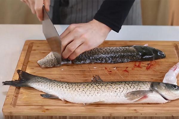黄焖砂锅鱼做法步骤:3