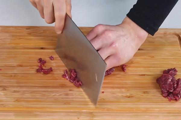 酸菜牛肉末做法步骤:3