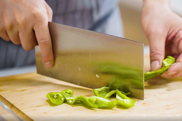 茭白肉片做法步骤:3