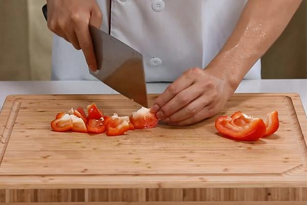 菠萝咕咾肉做法步骤:3