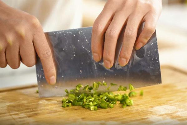 椒盐手工豆腐做法步骤:3