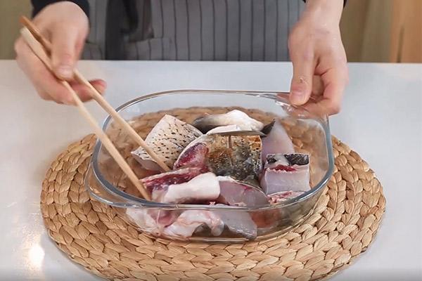 黄焖砂锅鱼做法步骤:8