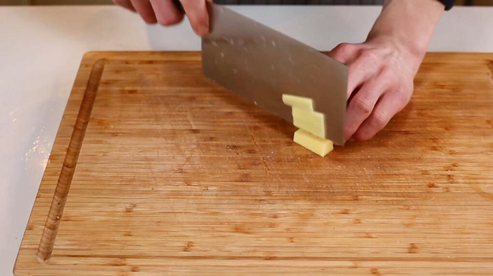 白菜猪肉炖粉条做法步骤:5