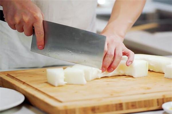 冬瓜薏米排骨汤做法步骤:4