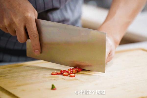 清炒荷兰豆做法步骤:3
