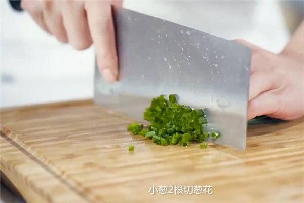 豆芽炒腐皮做法步骤:5