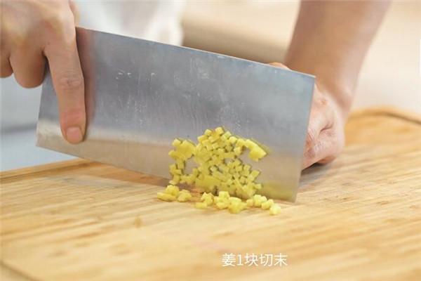 西兰花烧豆腐做法步骤:3