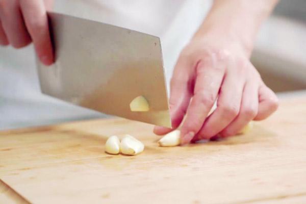 五花肉干煸土豆片做法步骤:6