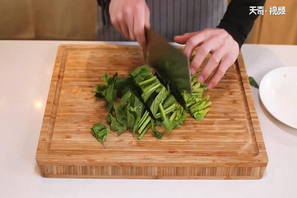 枸杞菠菜猪肝汤做法步骤:5