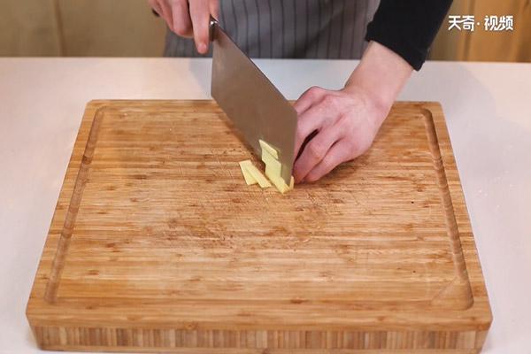 酸菜炖粉条怎么做好吃做法步骤:5