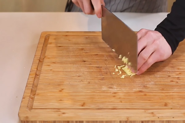 干煸豇豆做法步骤:3