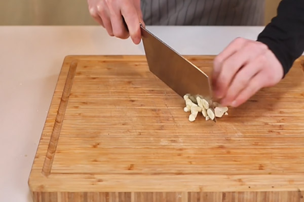 干煸豇豆做法步骤:4