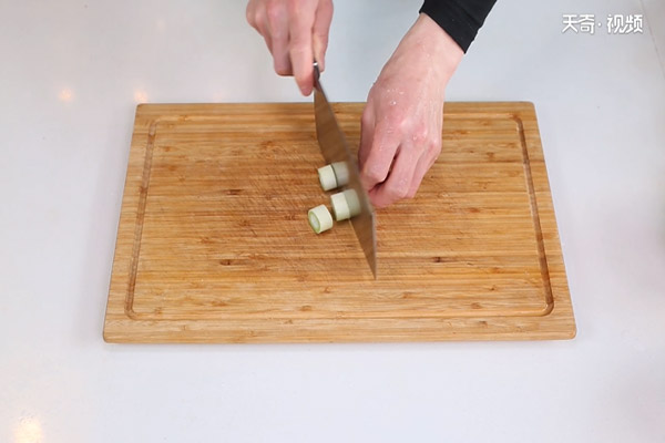 茶树菇炖鸡做法步骤:4