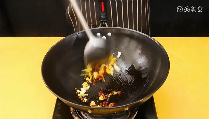 苦瓜回锅肉做法步骤:9