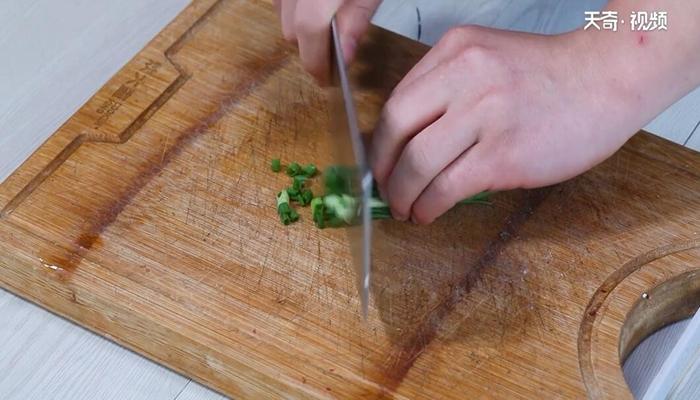 凉拌黄花菜做法步骤:4