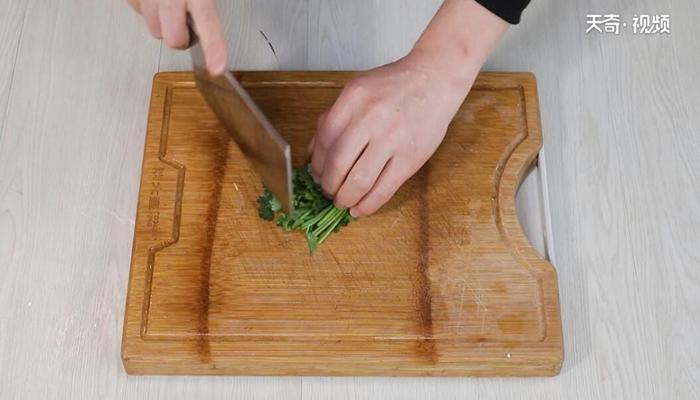 凉拌黄花菜做法步骤:5