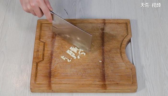 凉拌黄花菜做法步骤:7