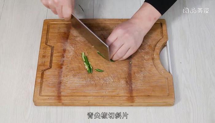 干锅辣白菜做法步骤:4