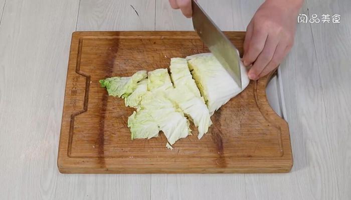 干锅辣白菜做法步骤:2