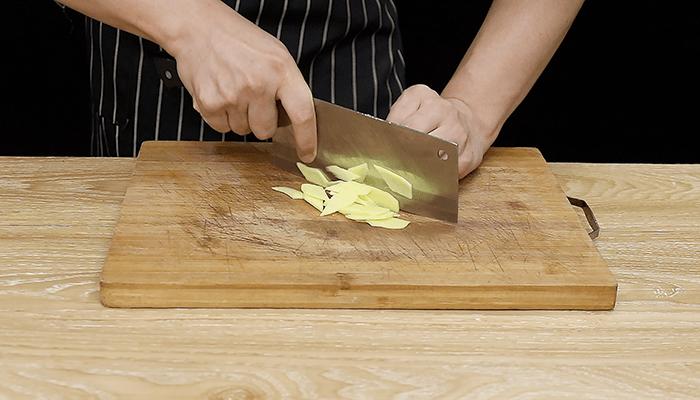 土豆烧排骨做法步骤:6