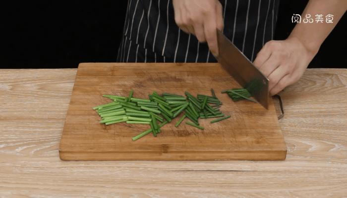 香菇韭苔做法步骤:3