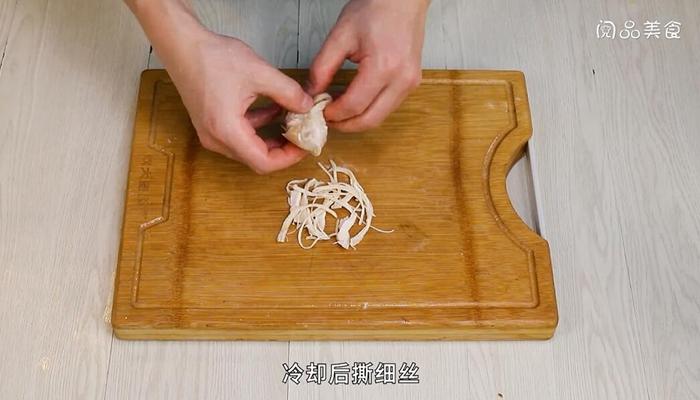 水煮鸡脯肉做法步骤:4