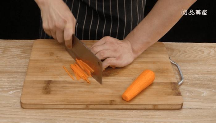 肉末胡萝卜丝做法步骤:2