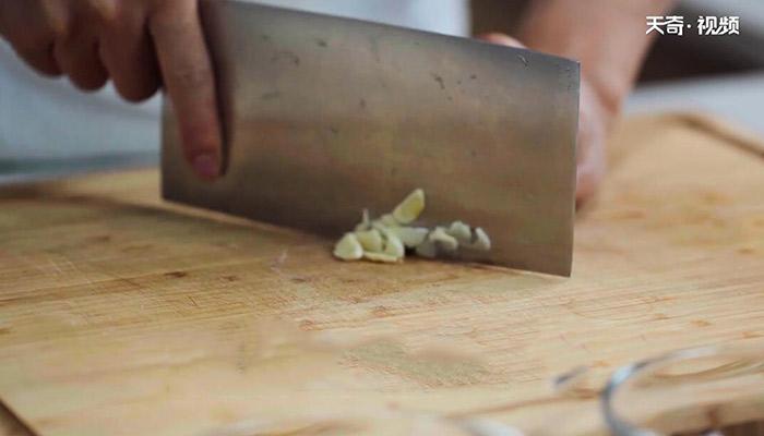 咸蛋豆腐羹做法步骤:4