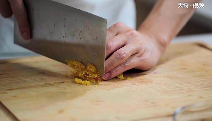 咸蛋豆腐羹做法步骤:6