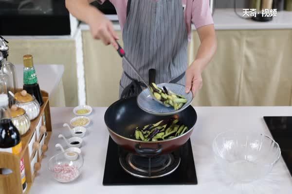 肉末茄子做法步骤:6