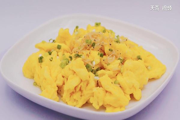 虾米炒鸡蛋做法步骤:6