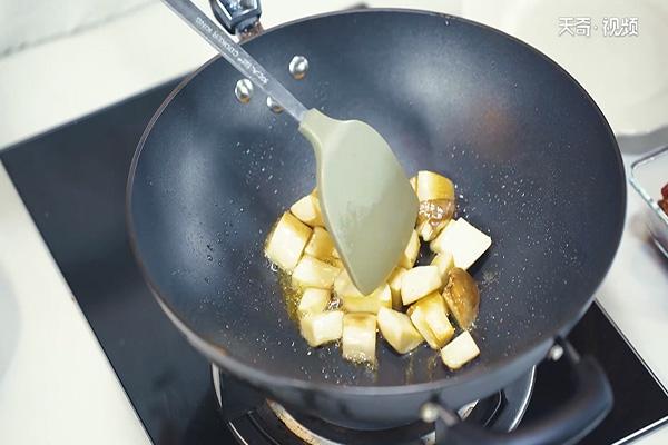 杏鲍菇牛肉粒做法步骤:7